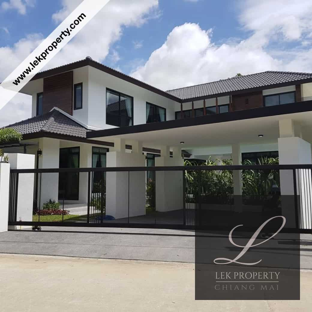 Modern 4 Bedroom House with Private Pool for Sale in Chiang Mai (H121)
