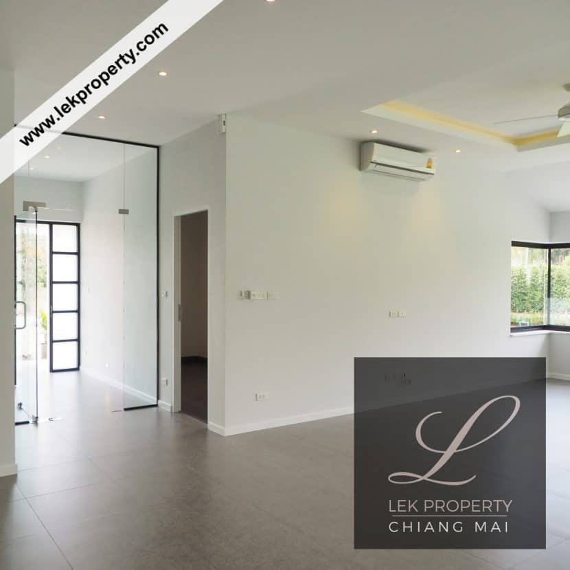 Chiang Mai Luxury Villa for Sale-H122-005