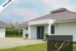 Chiang Mai Luxury Villa for Sale-H122-012