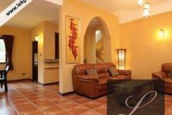 Chiang-Mai-Luxury-Villa-for-Sale-H117-007